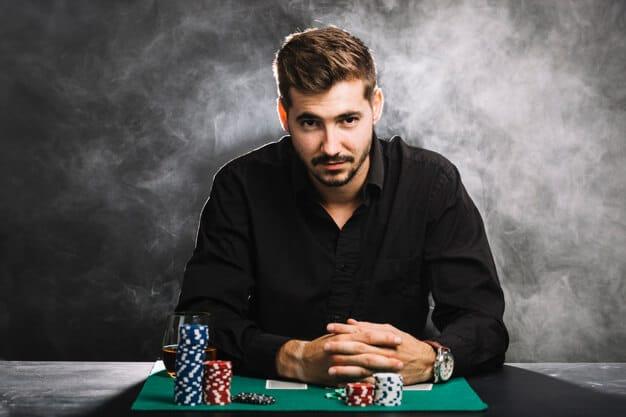 Siti di scommesse, poker e casinò online: l'importanza delle recensioni